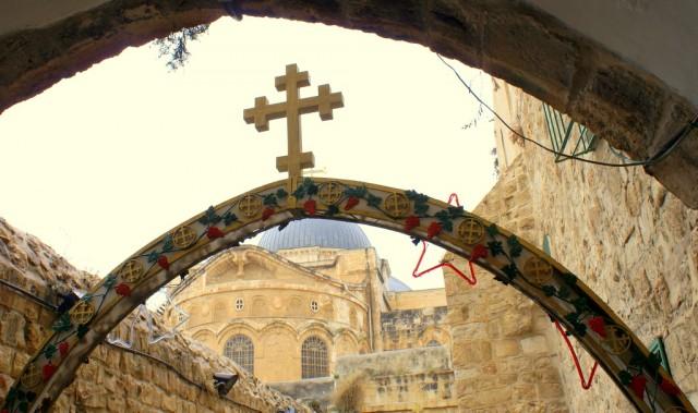8 остановка – здесь Христос взывал к иерусалимским женщинам