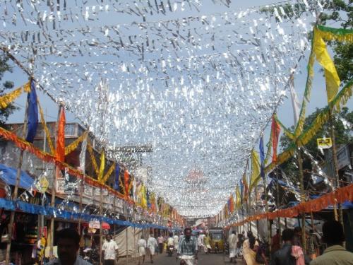 temple festival - украшение улицы
