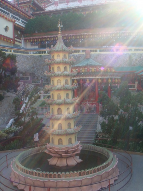 кек лок си - китайский храм