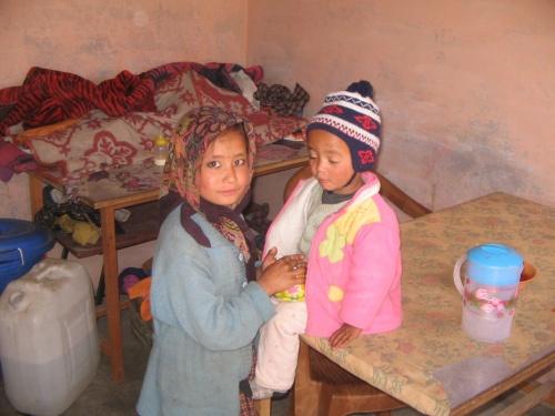 дети в дхабе