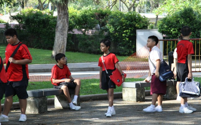 Юные сингапурцы