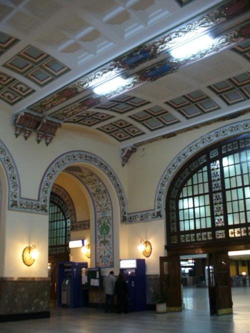 вокзал пустой...и красивый