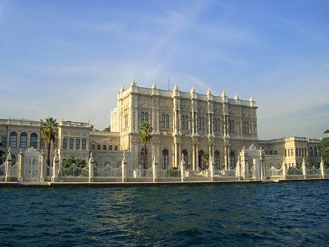 Дворец с видом на Босфор