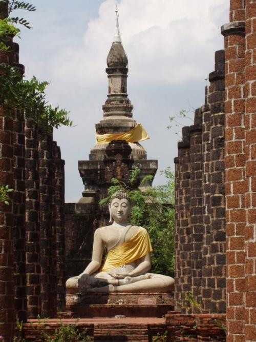 копия статуи Будды из Аютайи. (Мыэнг Боран)