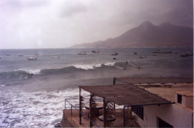 Островок Мавра (вид из единственного отеля)
