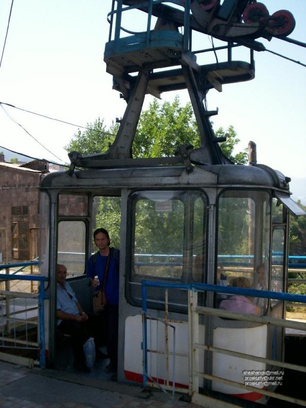 Алаверди. Канатная дорога (стоимость проезда - около 1,5 грн. = 6 руб. РФ)