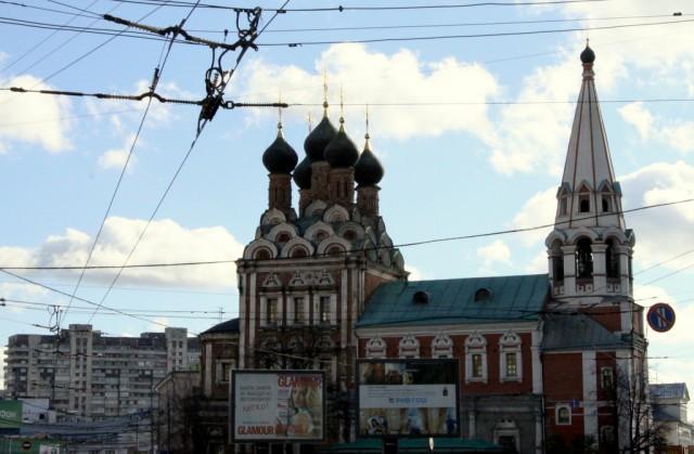 В Москве появилась новая фишка: пока стоишь в пробке - знакомишься и выходишь замуж