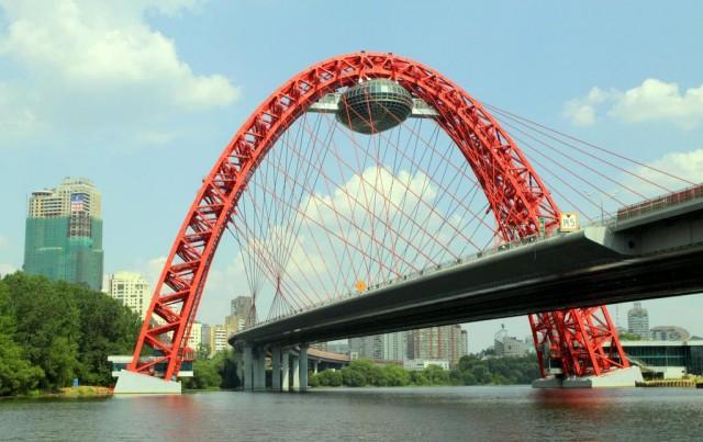 Арочно-вантовый мост через Москва-реку