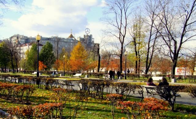 Сквер на Болотной площади