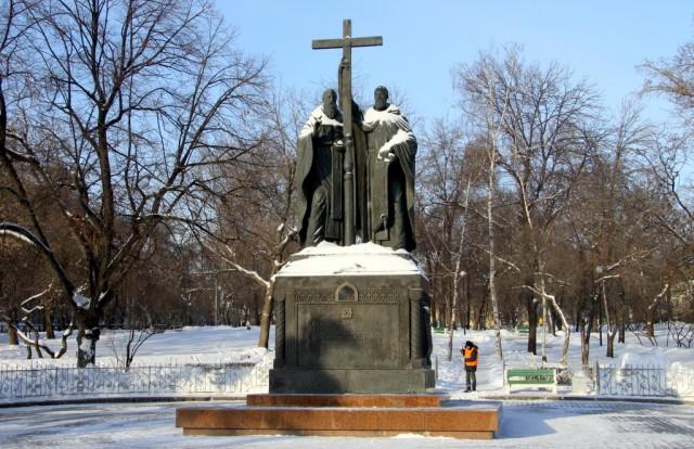 Памятник Кириллу и Мефодию собирает флэшмобы и фомичей