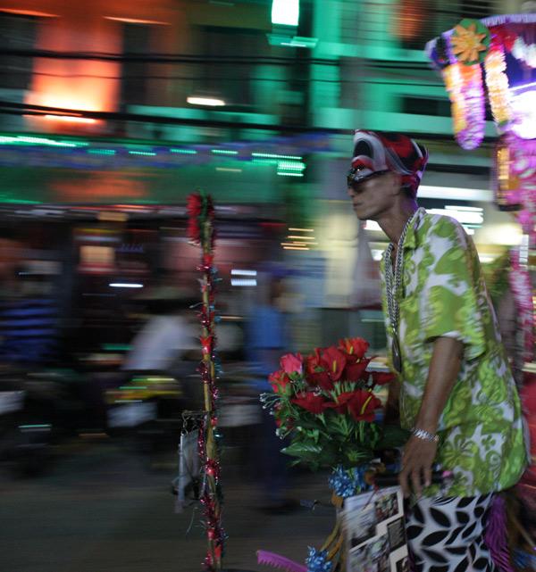 Бангкок, продавец цветов