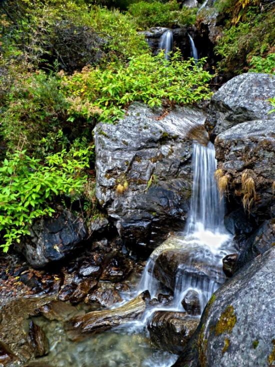 ...водопады...