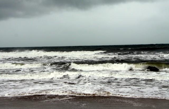 Море рассвирепело