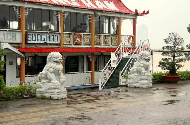 Китайские фишки: лев и львица