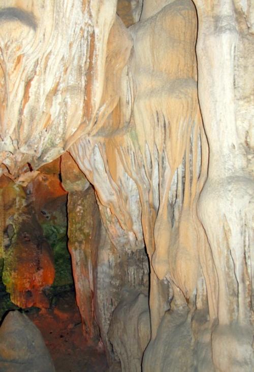 Водопад сталактитов