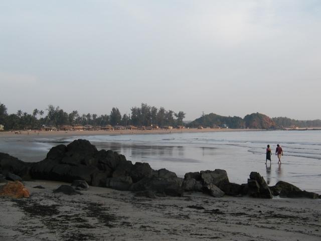 За Палолемом оказался еще один пляж, а за ним еще...