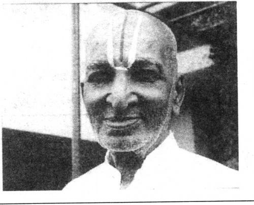 Кришнамачарья   в   возрасте   84  лет.