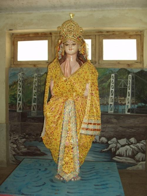 божества Сварг Нивас