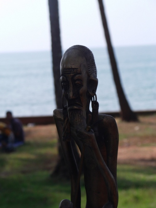 деревянный идол