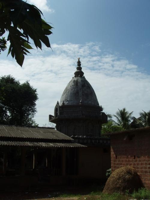 храм в какой то деревушке