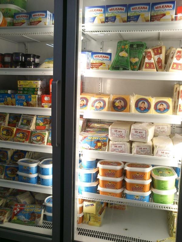 молочка в холодильнике