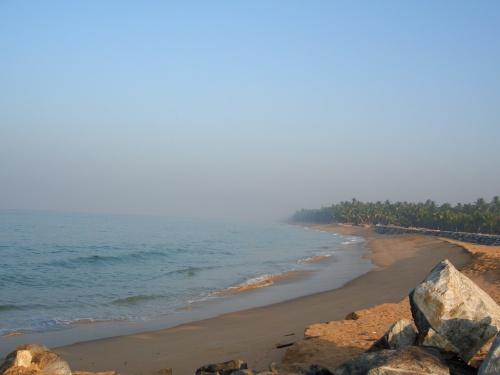 Замечательный пляж в 15 км от Варкалы