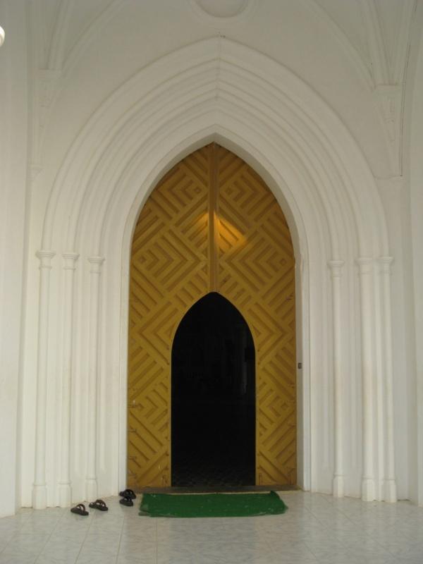 вход в костел