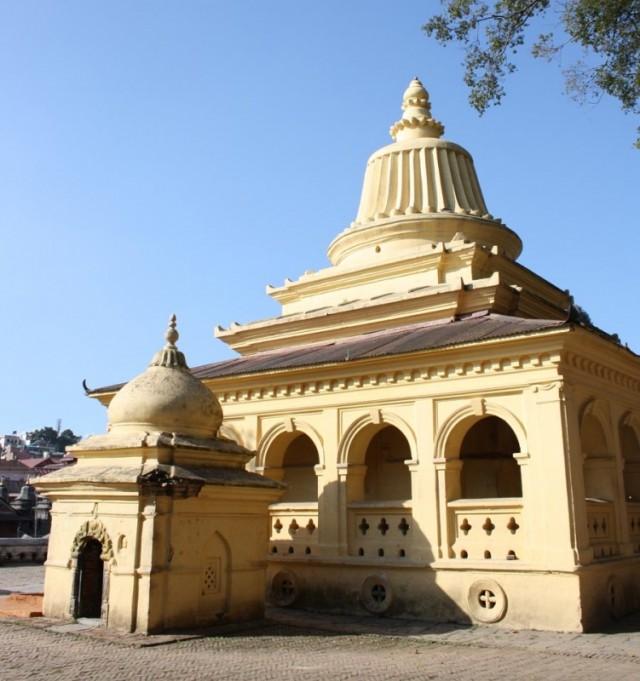 храм при ашраме