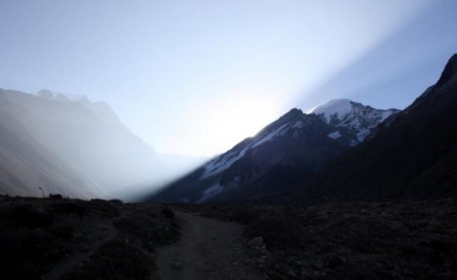 дорога на перевал Торунг-Ла из Муктинатха