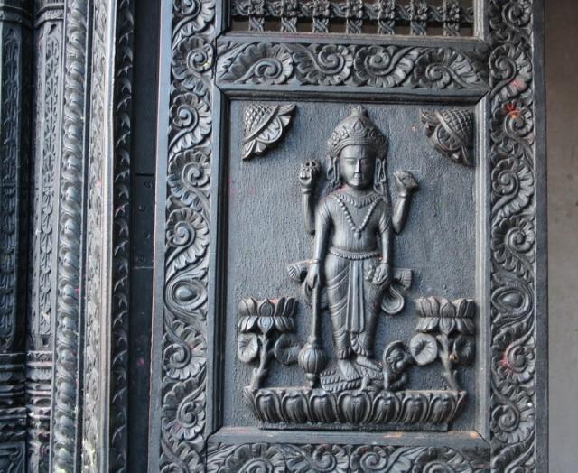 ворота этого храма