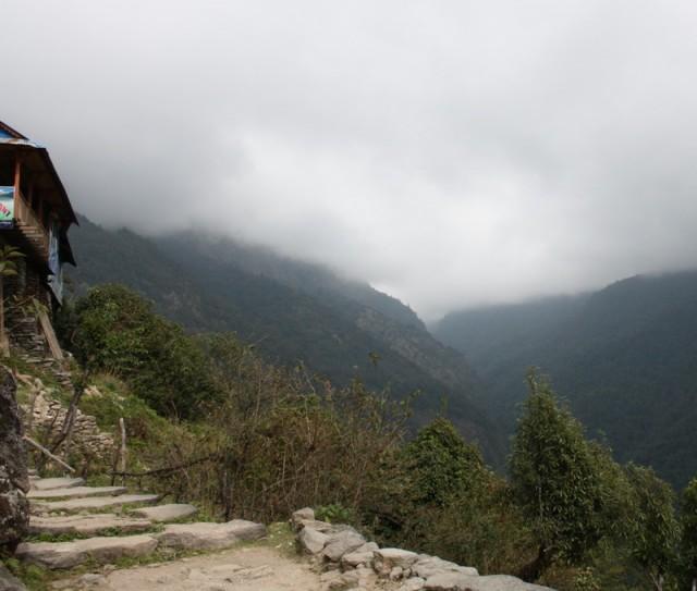 после 12-ти дня облачность и гор не видно