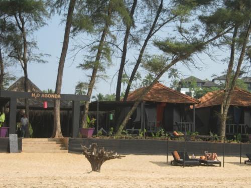 дорогие бунгало на пляже в Агонде(Юг)
