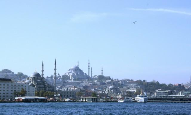 Вид на Стамбул с палубы пароходика