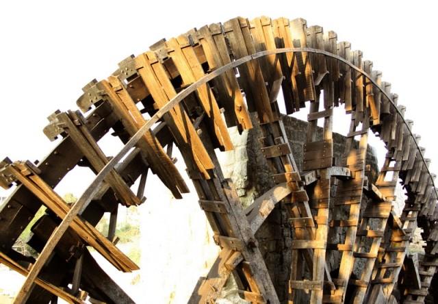 водяные колеса Хамы