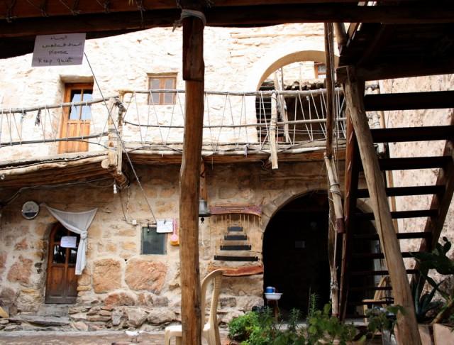 внутренний дворик монастыря