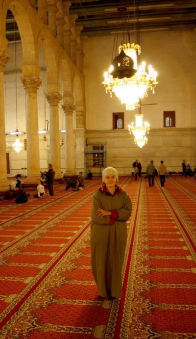 одеяние для европейских женщин дабы не отвлекать мужчин-мусульман от мыслей об Аллахе