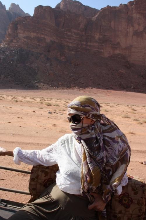 в пустыне арафатка не для прикида, а средство выживания