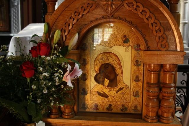 чудотворный образ Смоленской Богоматери Одигитрии («Путеводительница», «Исцелительница», «Скоропомощница») XVI века.