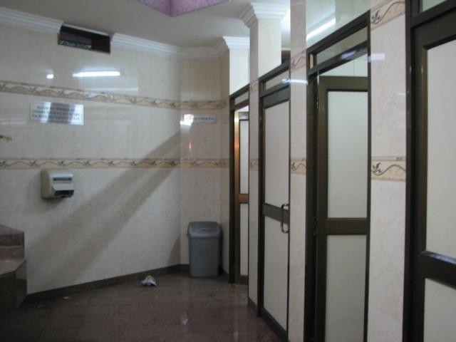 Для тех,кто активно обсуждает тему туалетов в Индии.Так они там есть.