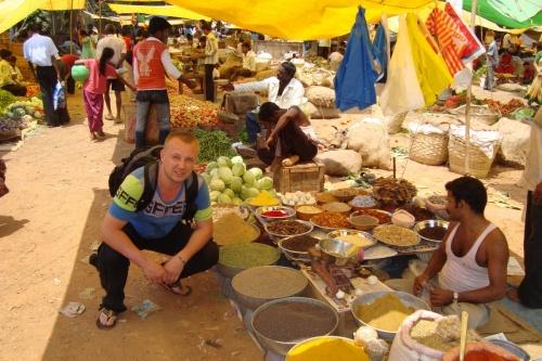 На базаре в Канаконе