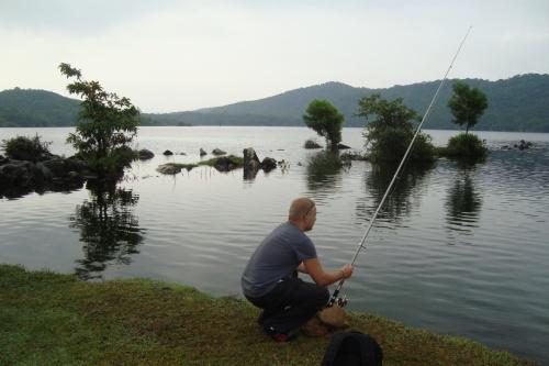 Пресноводное озеро в горах - с него и пьет воду весь Пололим
