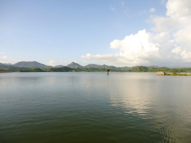 озеро Sai Dum