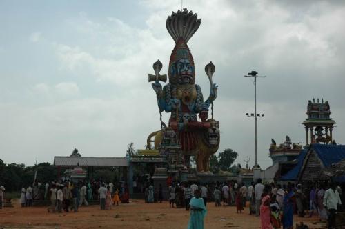 храм Кали недалеко от деревни