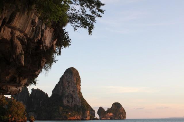Отсюда виден остров Чикен за Пхранангом