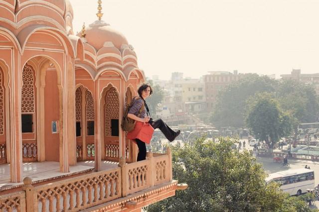 Богдана хочет выпрыгнуть с Дворца Ветров, Джайпур