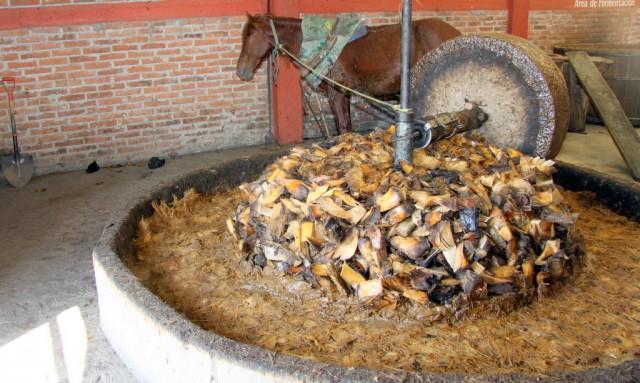 Заводная лошадка гонит некислый сок