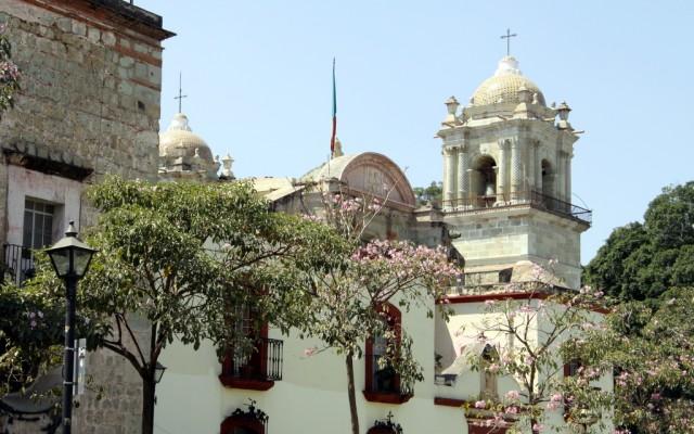 Город украшают многочисленные церкви …