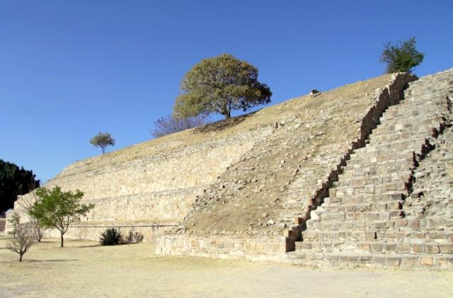 Руины Монте-Альбана