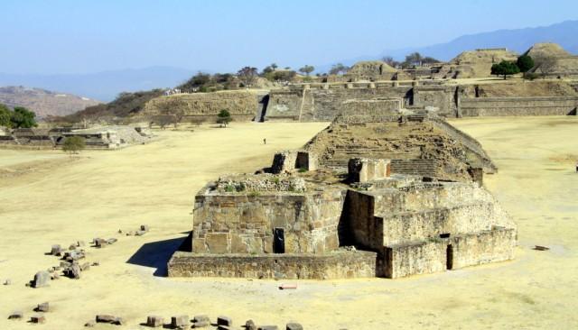 Огромное кладбище - в этих пирамидах были найдены черепа