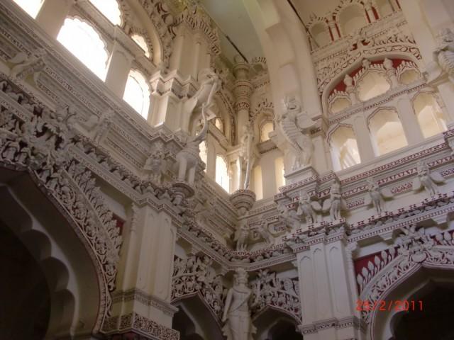 Дворец наяка внутри 13
